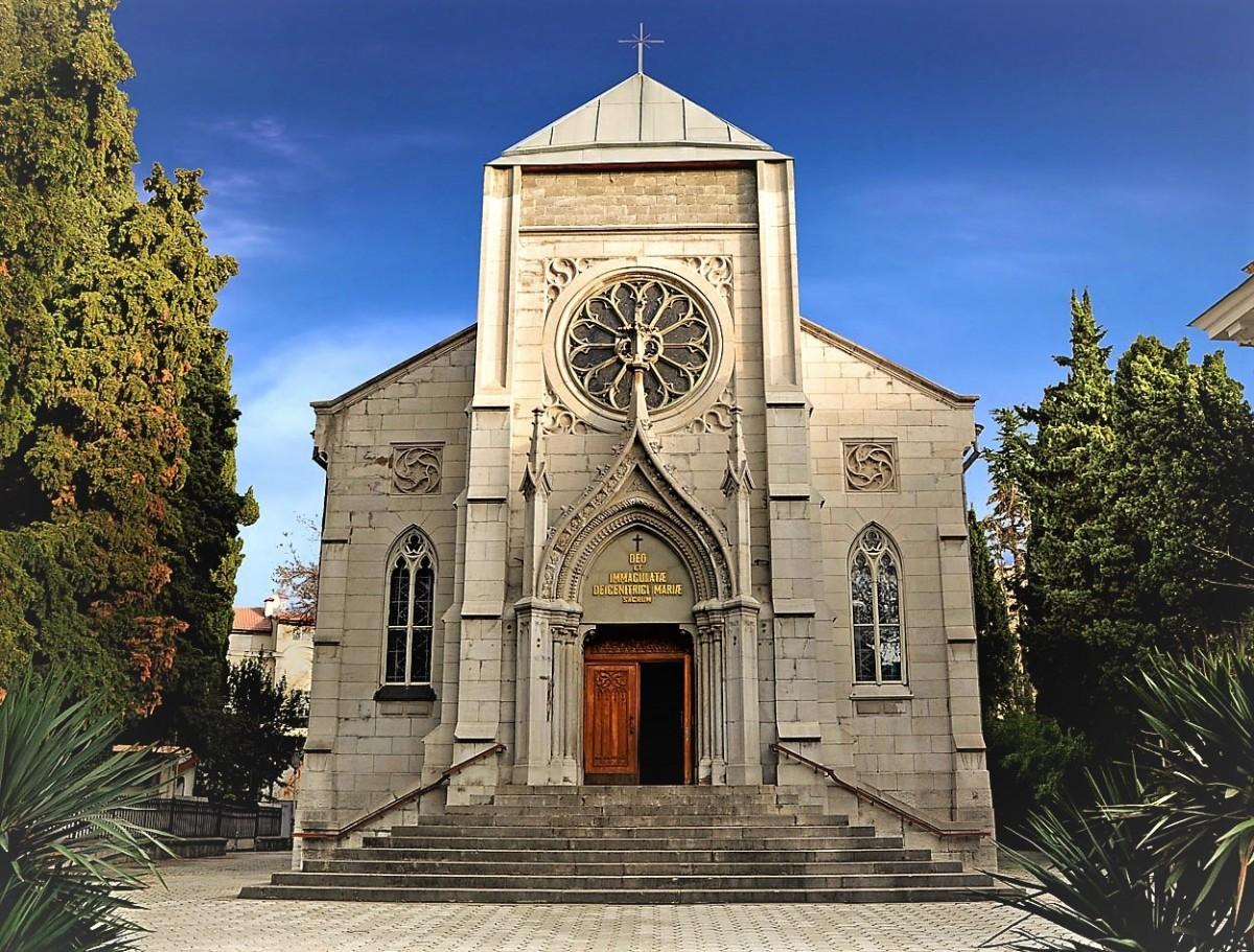 Фото: Римско-католический храм