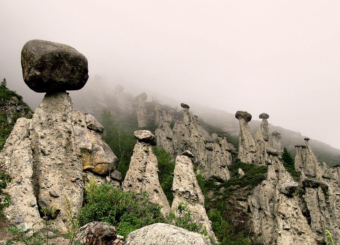 Фото: Каменные грибы