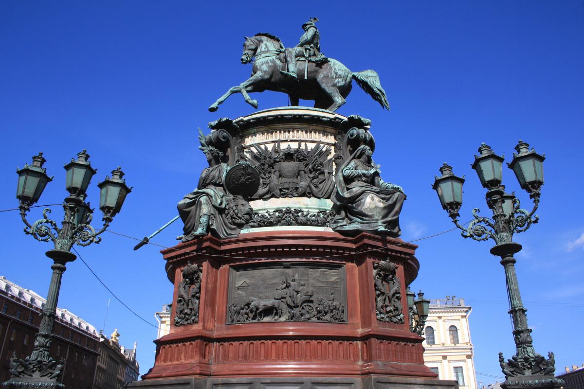 Фото: Памятник Николаю 1