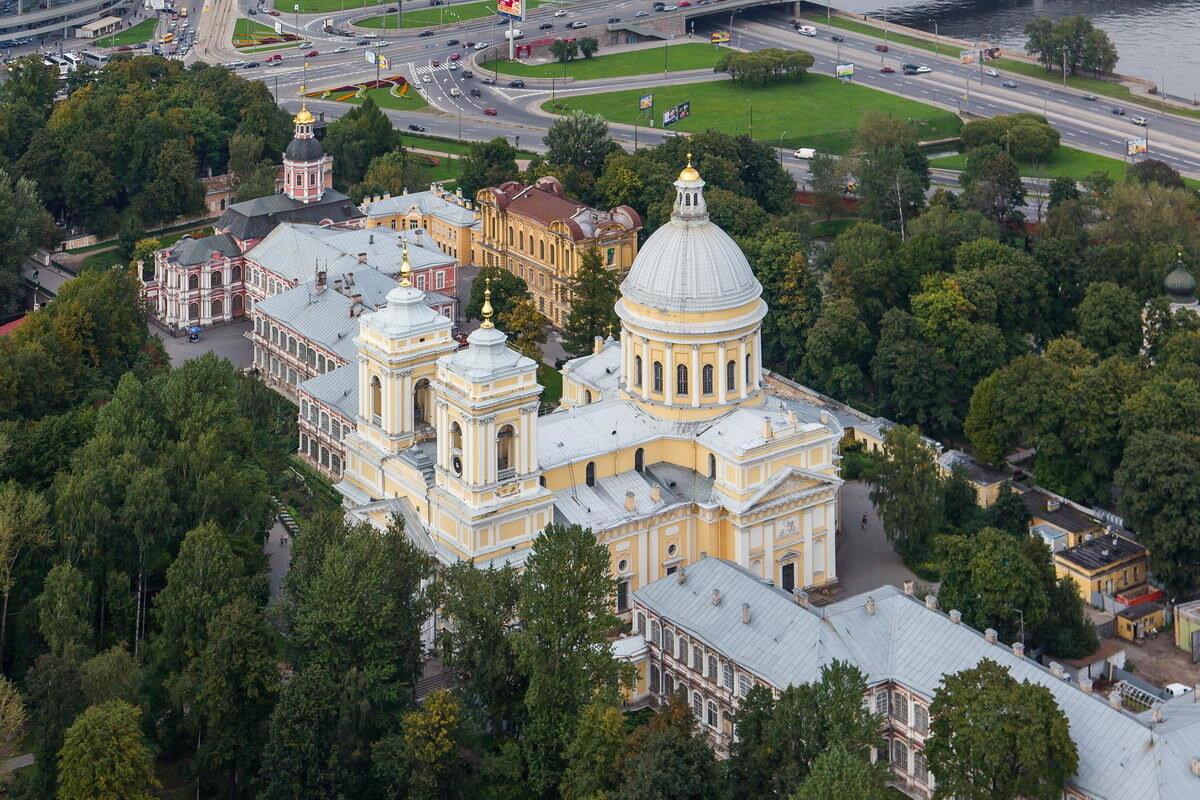 Фото: Свято-троицкая Александра Невского лавра