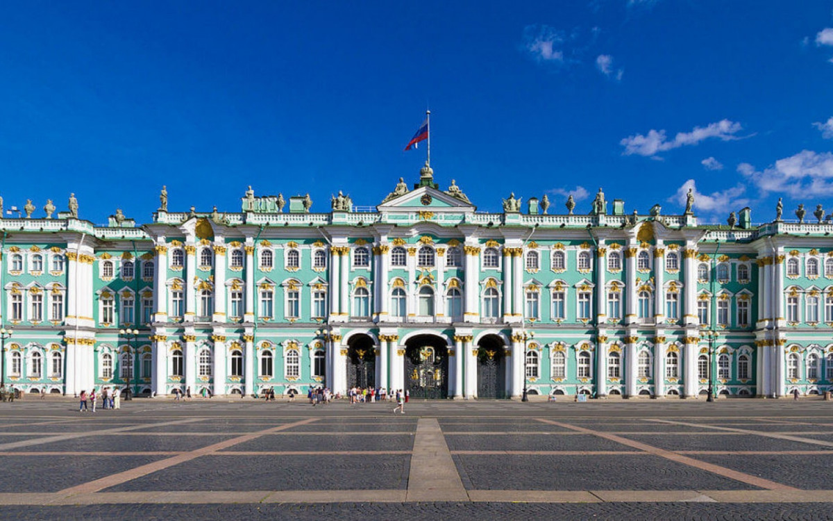 Фото: Зимний дворец (здание Эрмитажа)