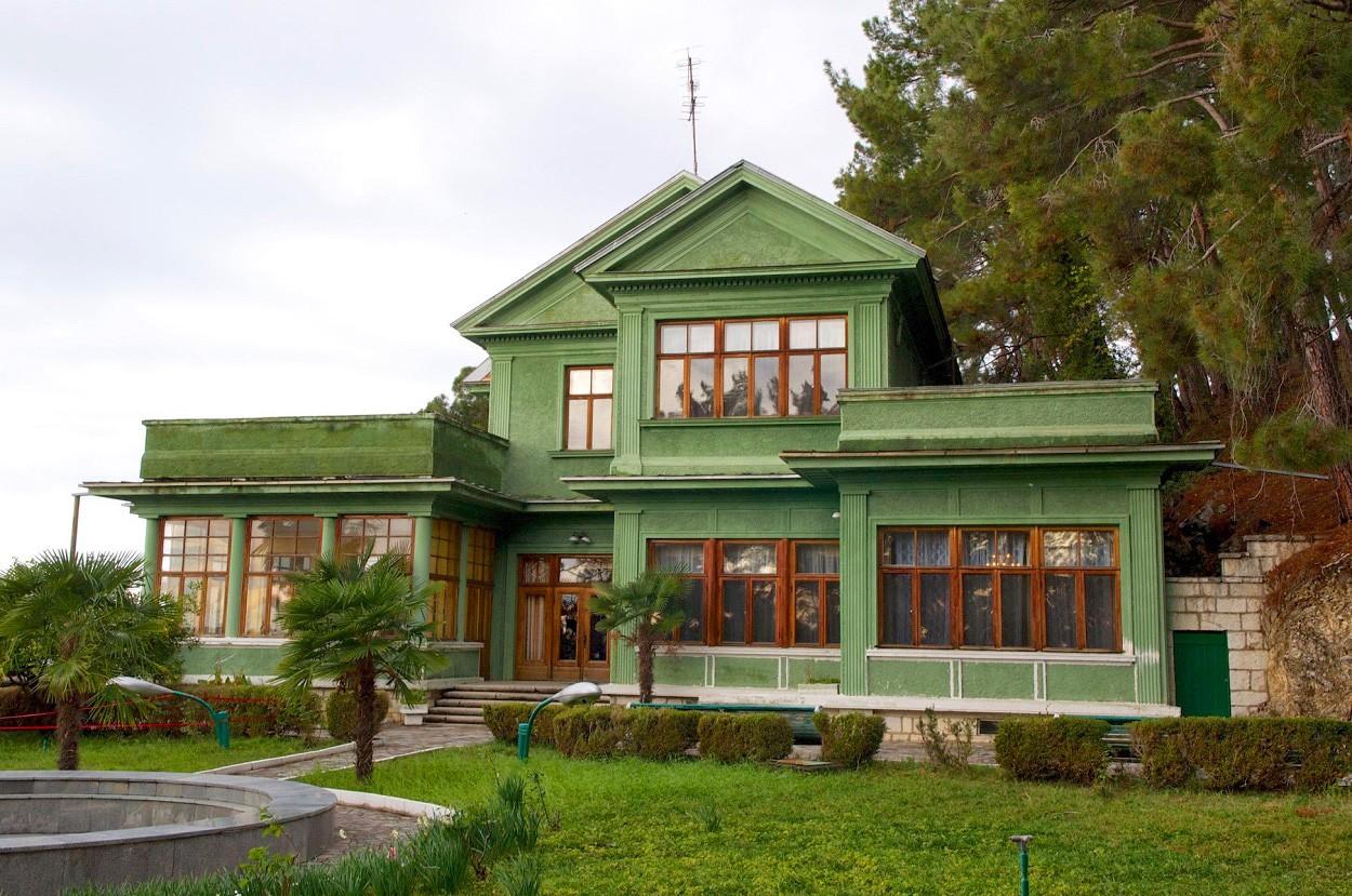 Фото: Дача Сталина в Абхазии