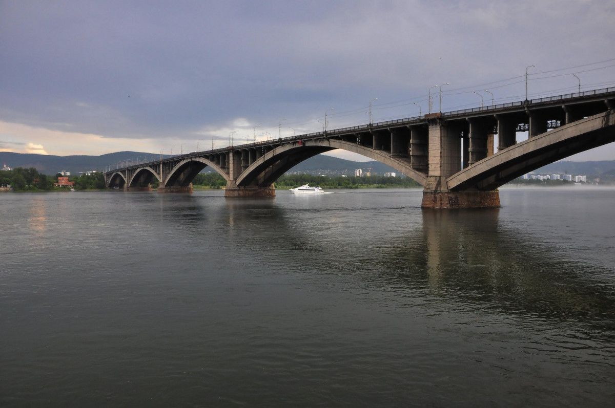 Фото: Коммунальный мост