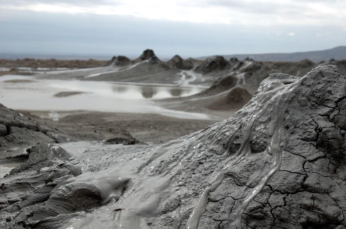 Фото: Грязевые вулканы Тамани