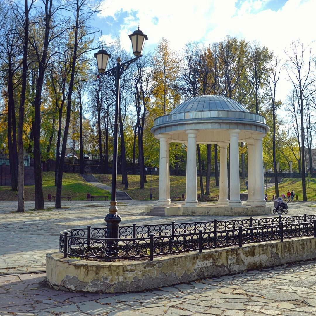 Фото: Ротонда в парке Горького