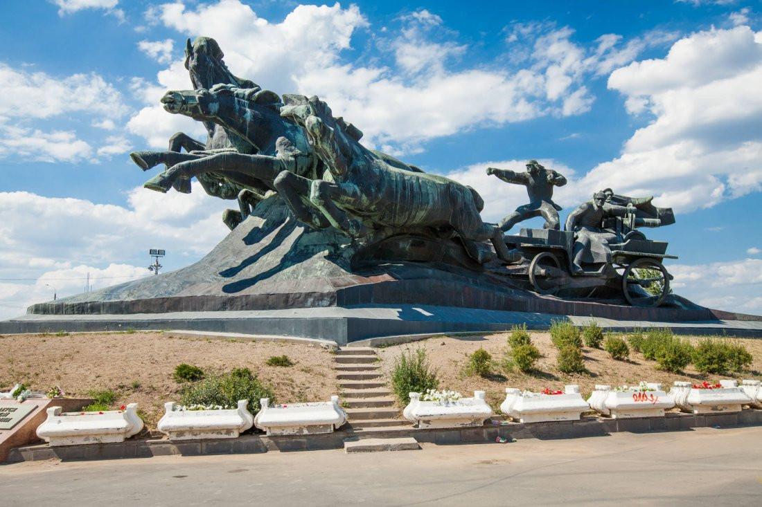 Фото: Памятник Тачанка-Ростовчанка