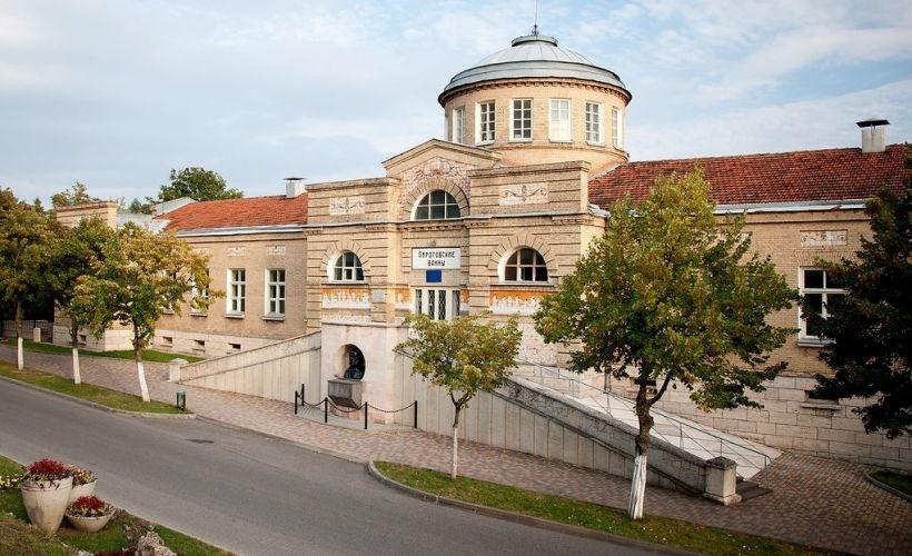 Фото: Пироговские ванны