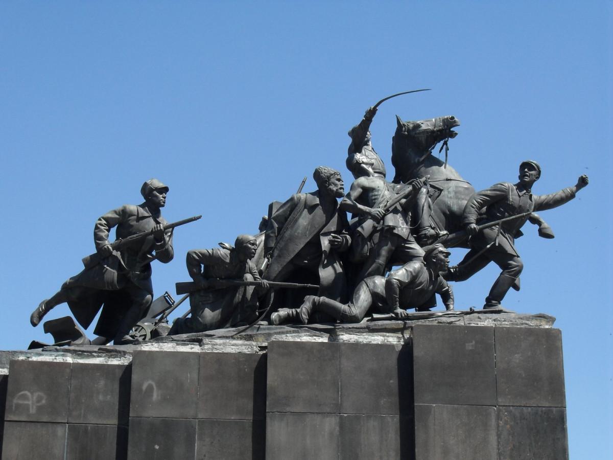Фото: Памятник Чапаеву