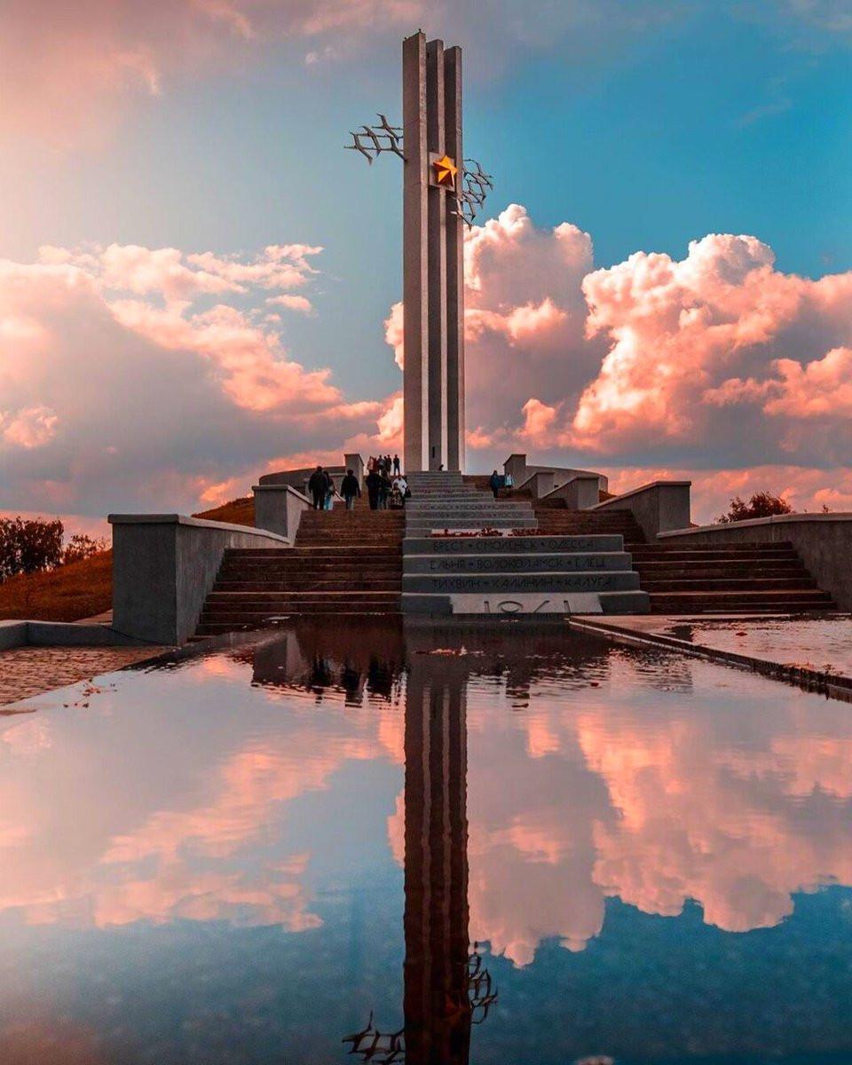 Фото: Парк Победы и памятник Журавли