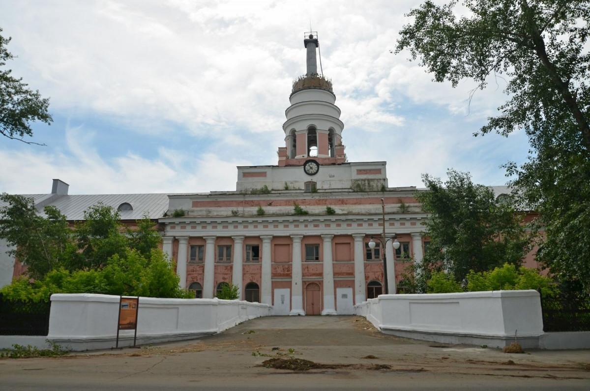 Фото: Главный корпус оружейного завода
