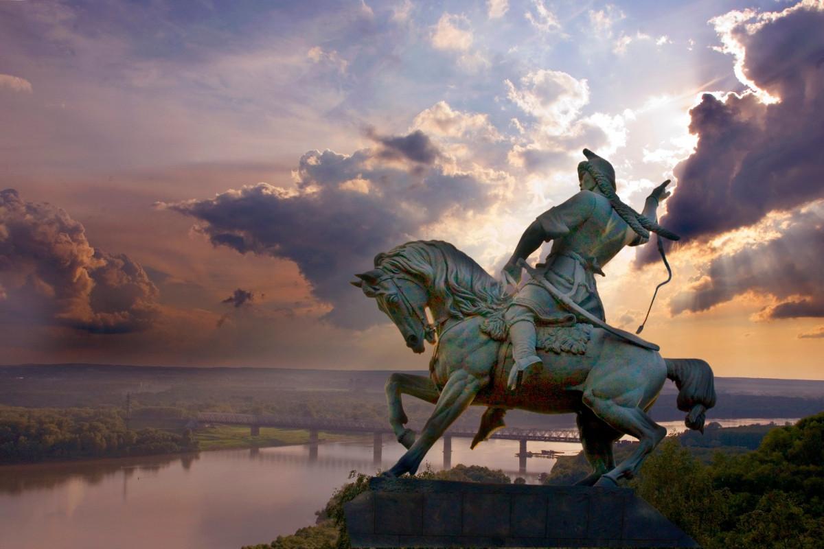 Фото: Памятник Салавату Юлаеву