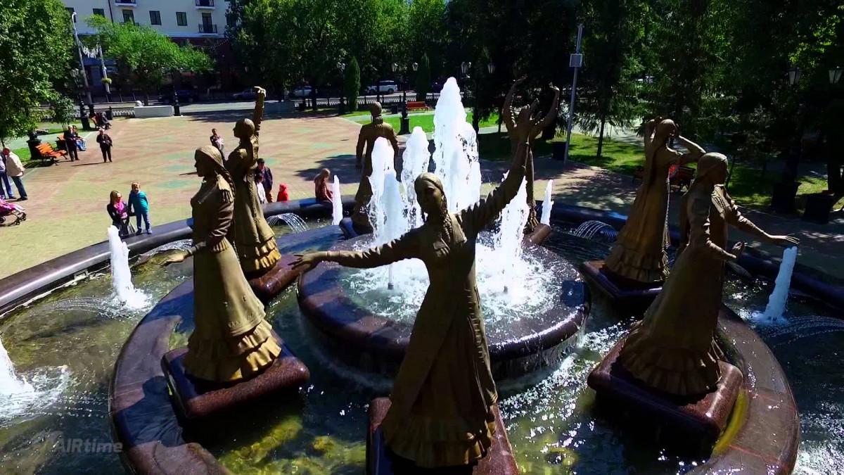 Фото: Фонтан «Семь девушек»
