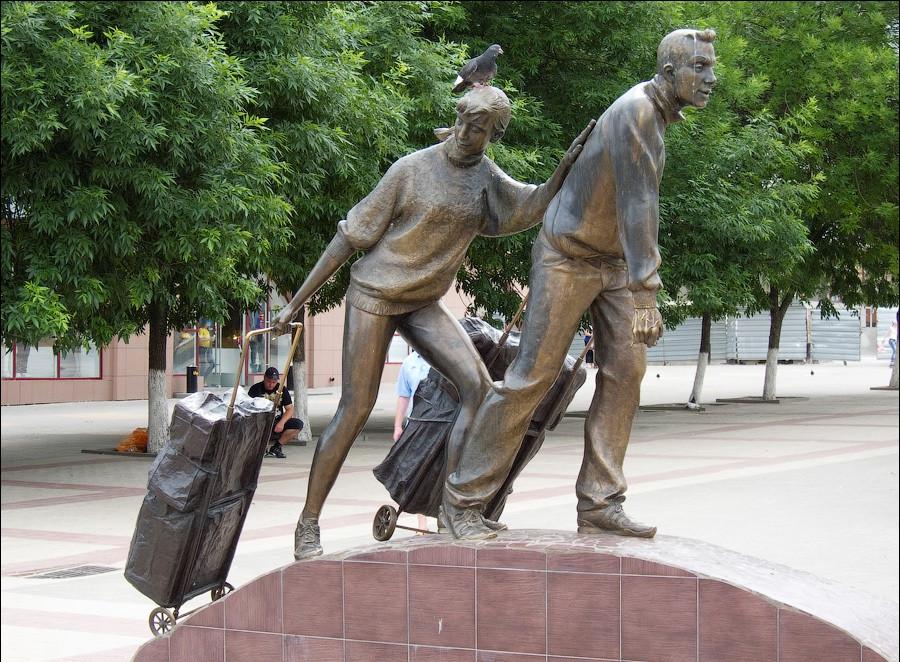 Фото: Памятник Челнокам